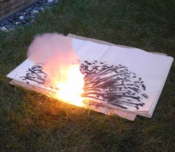 libro quemandose