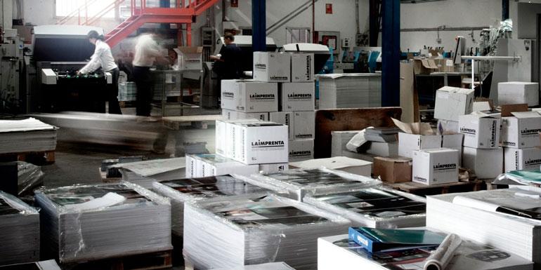 Departamento de encuadernación y logística de La Imprenta CG