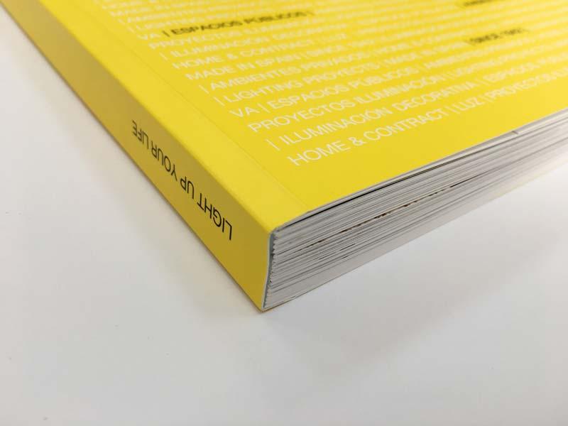 Detalle encuadernación catálogo Massmi