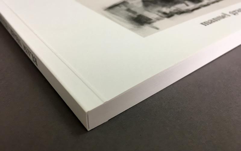 detalle de encuadernación del libro blanc, negre i blues -La Imprenta CG
