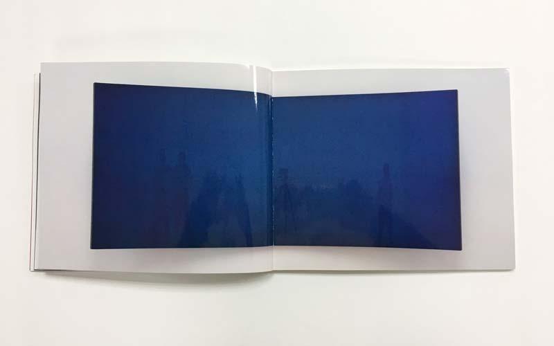 detalle del interior de la impresión de libro de arte