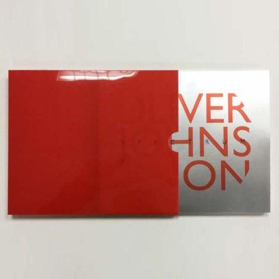 portada y contenedor del libro de arte