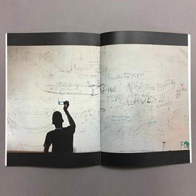 interior catálogo impreso en papel