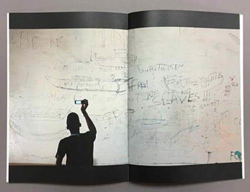 Imprimimos el catálogo de À tous les clandestins, una exposición comprometida