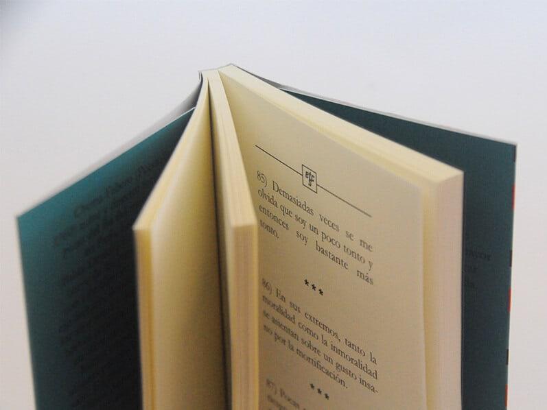 Hoy os presentamos un nuevo trabajo de impresión de libros en los talleres de La Imprenta CG, se trata de la nueva novela del Chema Fabero, Etcéteras.