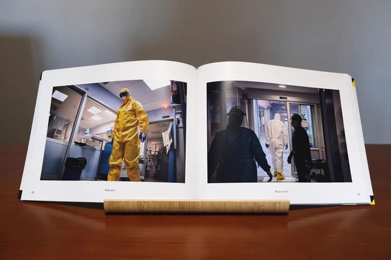 doble página con fotografías de la uci en tiempos de pandemia