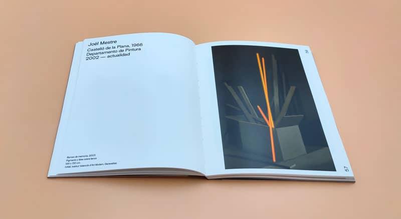 doble página de Joel Mestre al catálogo de la exposición