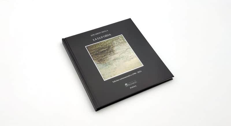 portada del libro de poesia y fotografia La luz oida